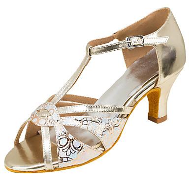 Női Latin cipők Műbőr Szandál Teljesítmény Csat Kubai sarok Személyre szabható Dance Shoes Bézs