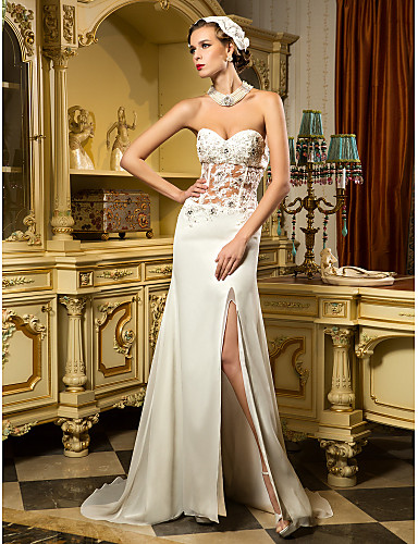 Eng anliegend Sweetheart Pinsel Schleppe Chiffon Tüll Benutzerdefinierte Brautkleider mit Perlenstickerei Applikationen Geschlitzt durch