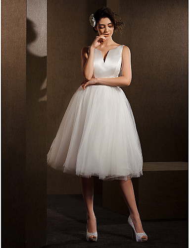 Ballkleid V-Ausschnitt Knie-Länge Satin Tüll Benutzerdefinierte Brautkleider mit Schleife Schärpe / Band durch LAN TING BRIDE®
