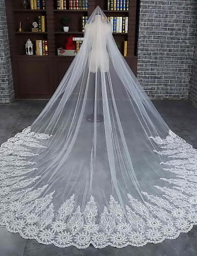 Einschichtig Spitzen-Saum Wellenkante Hochzeitsschleier Kathedralen Schleier Mit Spitze Tüll