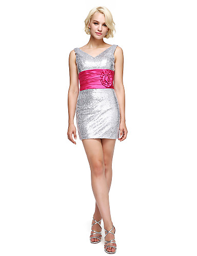 Tubinho Decote V Curto / Mini Paetês Coquetel Reunião de Classe Vestido com Flor(es) Faixa / Fita Drapeado Lateral de TS Couture®