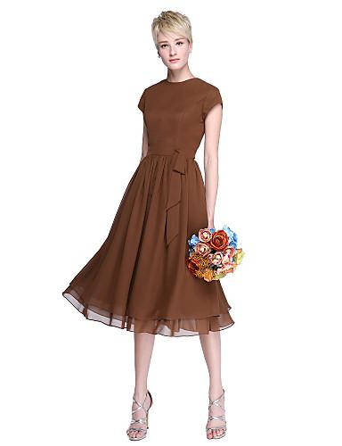 A-Şekilli Taşlı Yaka Diz Boyu Şifon Fiyonk / Düğme ile Nedime Elbisesi tarafından LAN TING BRIDE®