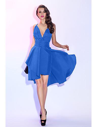 billige Feriekjoler-A-linje Stikkende halslinje Asymmetrisk Taft Liten svart kjole / To deler Cocktailfest / Skoleball Kjole med Bølgemønster / Plissert av TS Couture®
