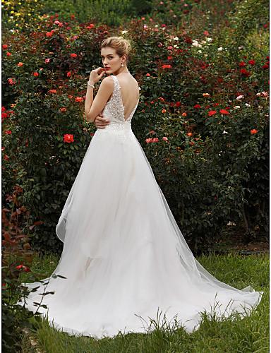 A-vonalú Hercegnő Nyakkivágás Kápolna uszály Tüll Cvjetno i čipkasto Egyéni esküvői ruhák val vel Flitter által LAN TING BRIDE®