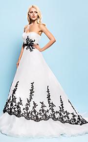Robe de Soirée Coeur Traîne Tribunal Organza Robes de mariée personnalisées avec Billes Appliques Drapée Ceinture / Ruban par LAN TING