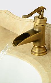 Antiek Modern Traditioneel Middenset Handdouche Waterherfst Wijdverspreid Keramische ventiel Single Handle twee gaten Antiek Koper,