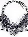 Pentru femei Cristal Coliere cu Pandativ / Coliere - Declarație, Lux, Vintage Negru, Gri Deschis Coliere Pentru