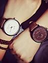 Для пары Наручные часы Кварцевый Кожа Черный / Коричневый Повседневные часы Аналоговый Дамы На каждый день Мода - Черный Коричневый Белый / Черный Один год Срок службы батареи / SSUO 377